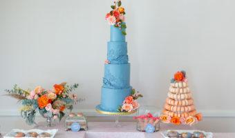 Blue and orange wedding décor